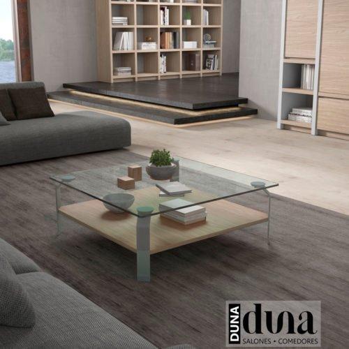 Mesa de centro cuadrada con el sobre de cristal y el estante de madera