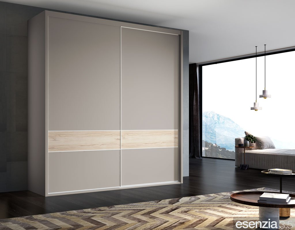 Armario corredero de dos puertas en color Avellana con la franja en color Bambú