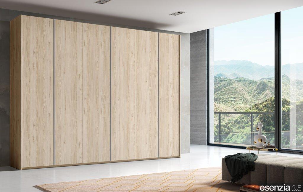 Armario de seis puertas batientes en color Bambú